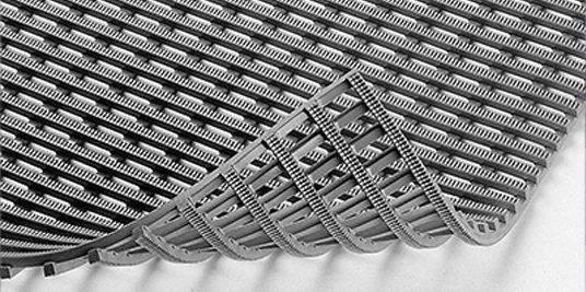 Caillebotis d'accessibilité sur membranes PVC et TPO